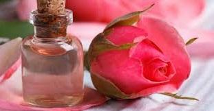 acqua di rose per la tua pelle